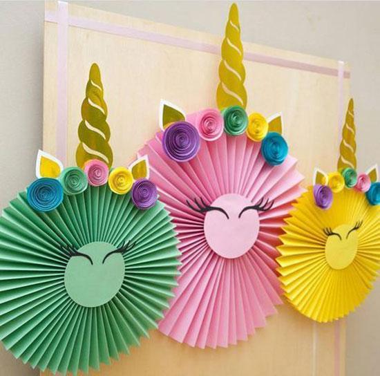 چند ماهمه - مدل کاغذ کشی اسب تک شاخ برای تزیین پس زمینه تولد