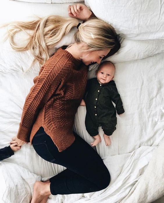 ایده عکاسی از نوزاد در منزل حالت خوابیده- چند ماهمه