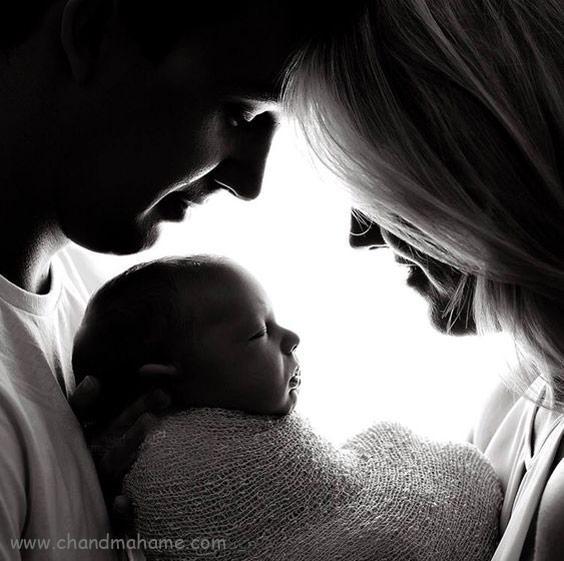 ایده عکس نوزاد با پدر و مادر در خانه - ژست خلاقانه