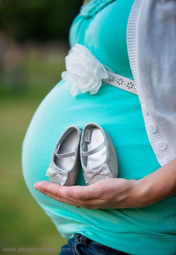 ژست عکس بارداری مادر به صورت تک نفره - چندماهمه