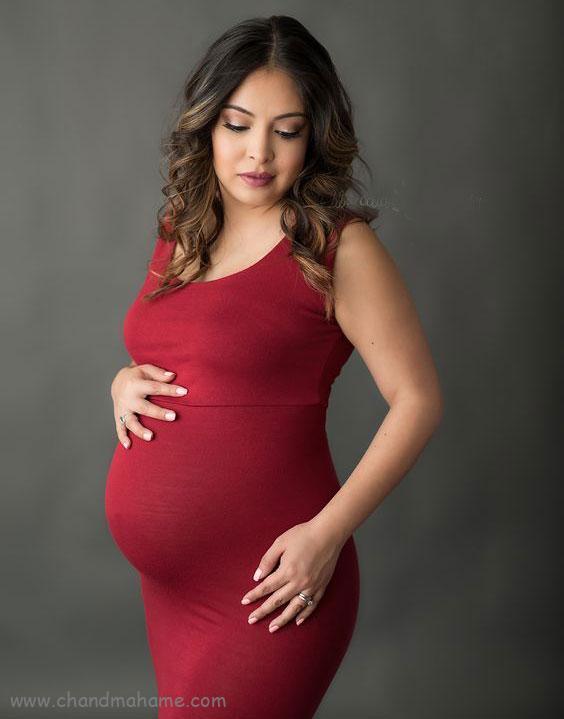 ژست عکس بارداری با لباس مجلسی - چندماهمه