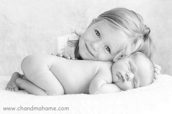 عکاسی از نوزاد در منزل با خواهر و برادر ژشت احساسی - چندماهمه