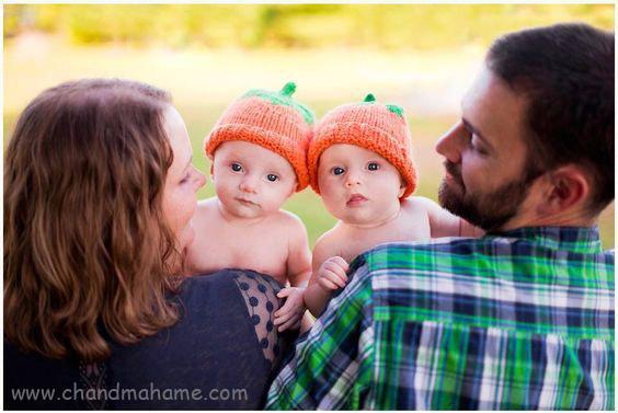 عکاسی از نوزاد دوقلو با پدر و مادر - چندماهمه