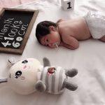 مدل عکس ماهگرد نوزاد با تخته سیاه فانتزی - چند ماهمه