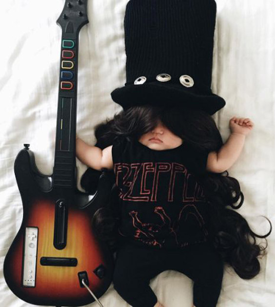 ایده عکس خانگی نوزاد با تم موزیسین و موسیقی - چندماهمه