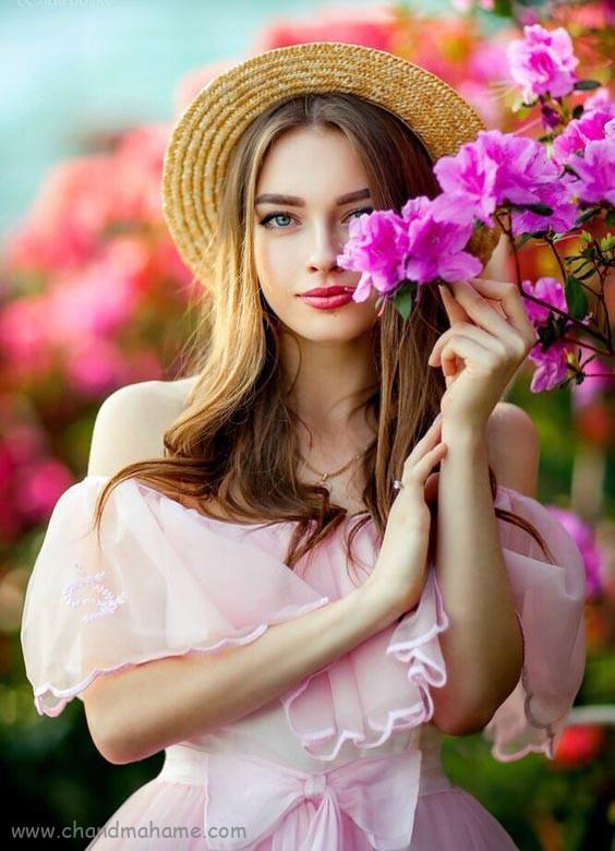 ژست عکس دخترانه در فضای باز بهار - چندماهمه