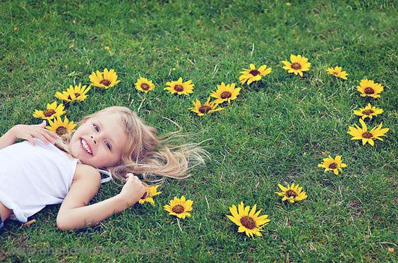 ایده عکاسی از کودک در فضای باز و بهار - چندماهمه