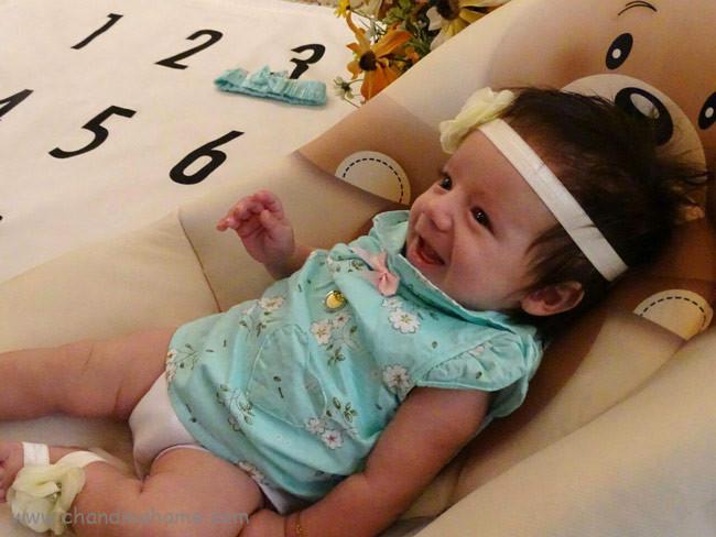 ایده خلاقانه برای عکس نوزاد دختر - چندماهمه