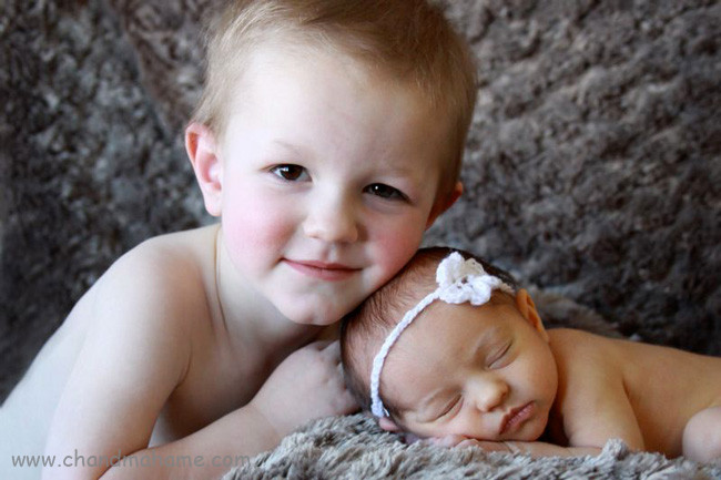 آموزش عکس گزفتن از نوزاد در خانه به صورت حرفه ای - چندماهمه
