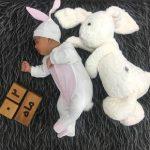 ایده عکس دو ماهگی نوزاد در خانه - چندماهمه