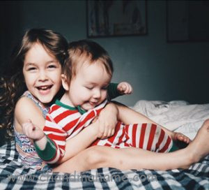 ایده عکاسی در خانه از کودک - چندماهمه