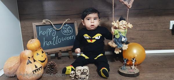 عکس هالووین برای ماهگرد نوزاد